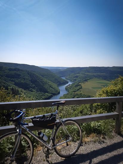 Flusstäler der Our und der Alzette sind die Basis für den Tagesausflug mit vielen Bergen