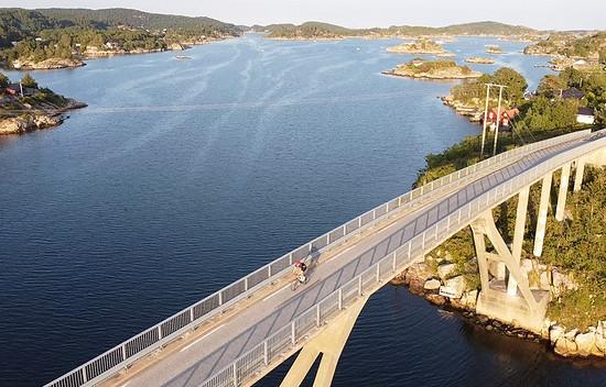 Schärenbrücke in der Nähe von Mandal