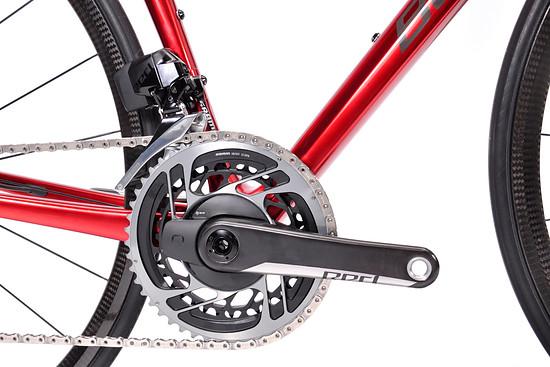 Das Top-Modell der Climbers Edition schaltet mit einer SRAM Red eTap AXS 2x12-Gruppe