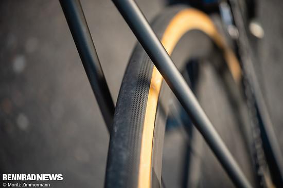 Der Rahmen bietet viel Platz für Reifen