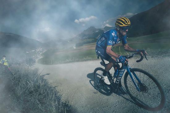 Team Movistar setzte das Canyon Aeroad 2021 auch bei Bergetappen der Tour ein