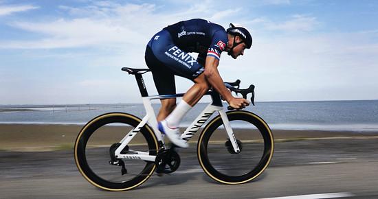 Mathieu van der Poel fuhr das neue Canyon Aeroad schon in der Zwift-Werbung
