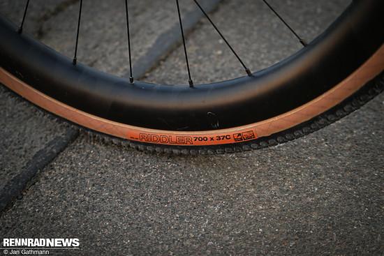 """Die 3T Discus 45 Carbon-Laufräder bringen der 37c Riddler-Reifen auf fast 40 mm """"WAM"""""""