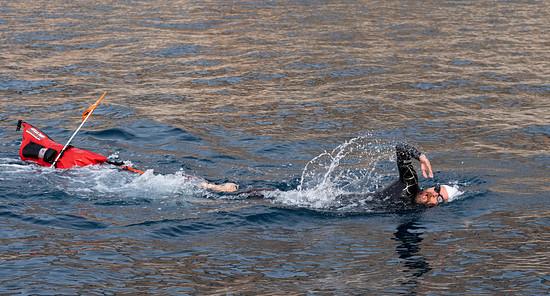 Bis zu 8 Stunden war Jonas Deichmann täglich im Wasser