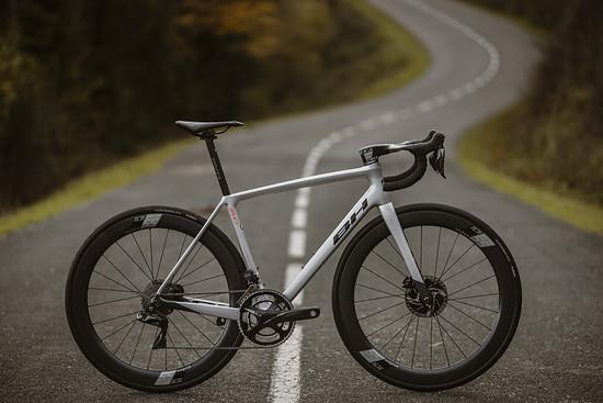 Das Ultralight Evo ist ein Bike für die Rennstrecke.
