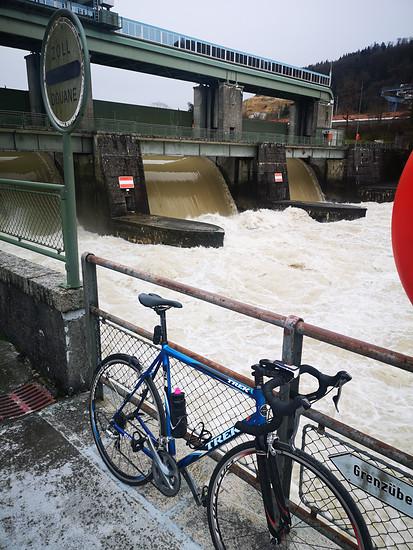 Ordentlich Wasser im Rhein
