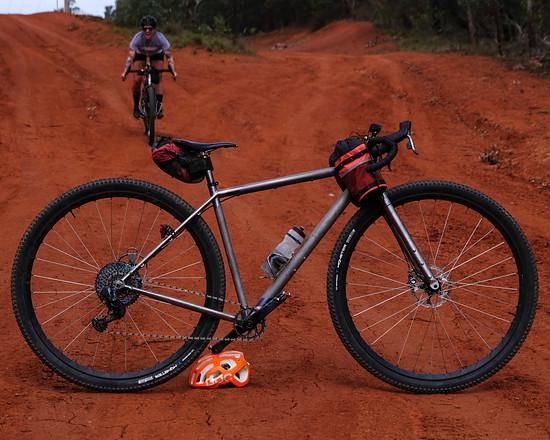 Der Curve Cycling Titanosaur geht zunächst nur als Einzelstück in Australien auf Kilometerjagd