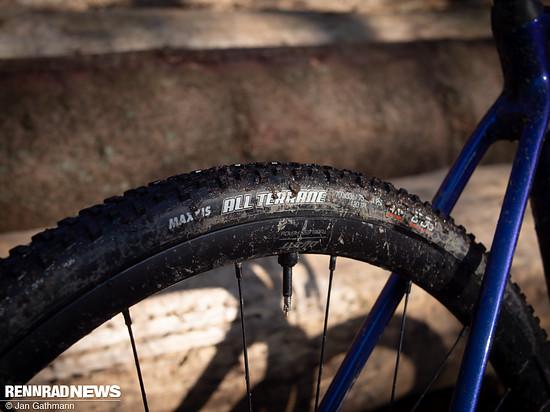 Die Maxxis All Terrane-Reifen in 33 mm erwiesen sich als fähige Allrounder ...