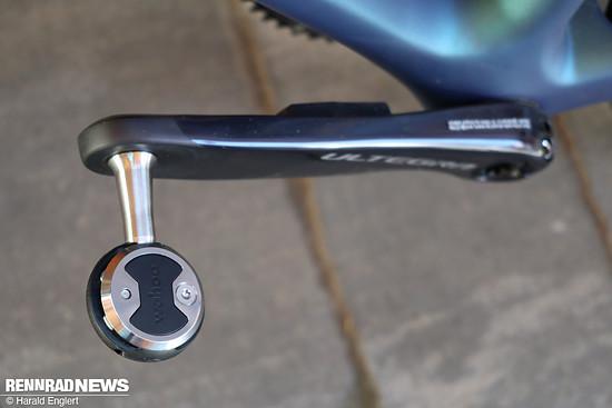Das Wahoo Speedplay Pedal wirkt recht klein und filigran.