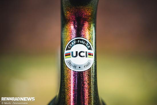 Eine bereits vom regulären Áspero bekannte Besonderheit ist die UCI-Zulassung. Das ermöglicht die Teilnahme an Cyclocross-Rennen.
