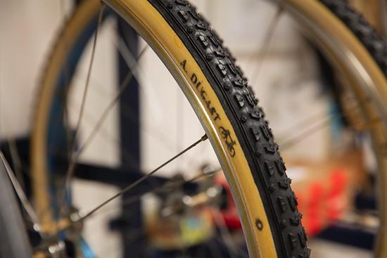 Die Cyclocross-Reifen der Marke gelten als der Gold-Standard in der Weltklasse.