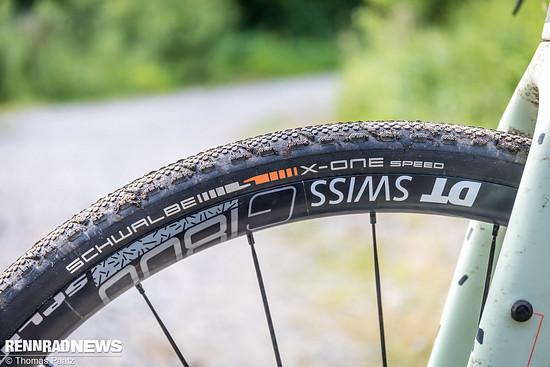 Der Schwalbe X-One Speed Evo ist ein Cyclocross Wettkampf-Reifen für harte Böden