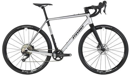 Das Camino Pro ist das Top-Modell der neuen Gravel Bikes mit Carbonrahmen von Stevens
