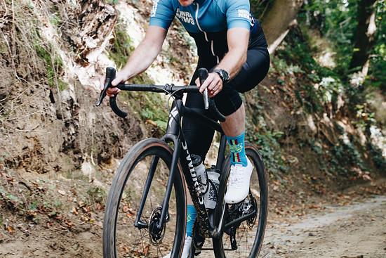 Mit 725 g vielleicht der leichteste Gravel Bike-Rahmen der Welt, aber auch der fähigste?