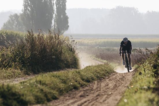 Die Gene des CX-Bikes sind auch beim Specialized Crux Light Gravel Bike unverkennbar