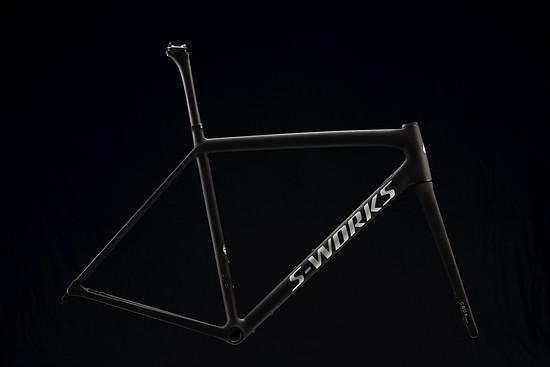 Beide Bikes gibt es auch als Rahmenset