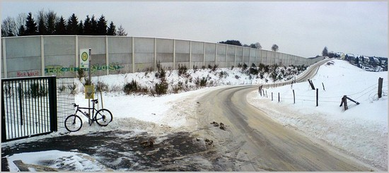the wall (12. 01.10)