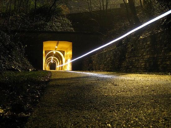 Korkenziehertrasse bei Nacht